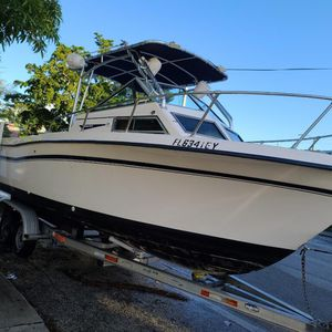 87 graddy white offshore for Sale in Hialeah, FL