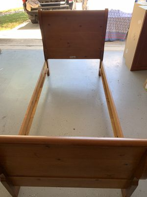 Twin bed for Sale in Pflugerville, TX