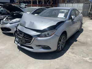 17 MAZDA 3 2.5L FOR PARTS !!! for Sale in Los Angeles, CA