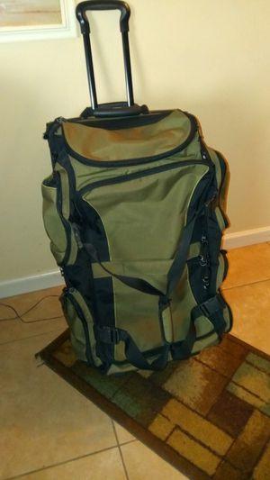 Eddie Bauer rolling duffle bag for Sale in Orlando, FL