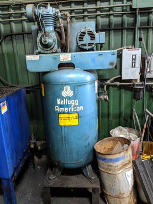 80 gallon Kellogg American air compressor for Sale in Sturbridge, MA
