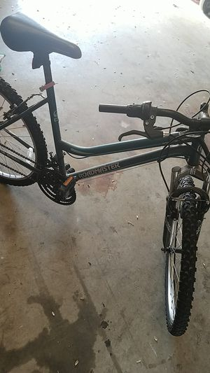 Girls Roadmaster mountain bike for Sale in Fresno, CA