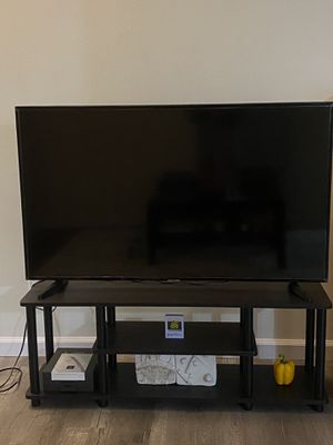 Samsung TV (including furniture) for Sale in Arcadia, CA