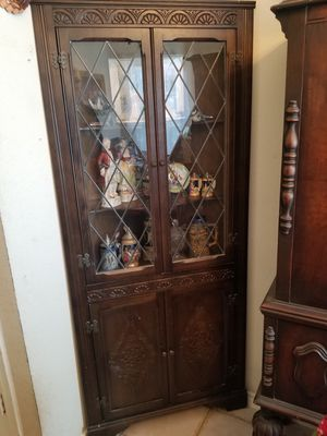 CORNER CURIO CABINET for Sale in Justin, TX