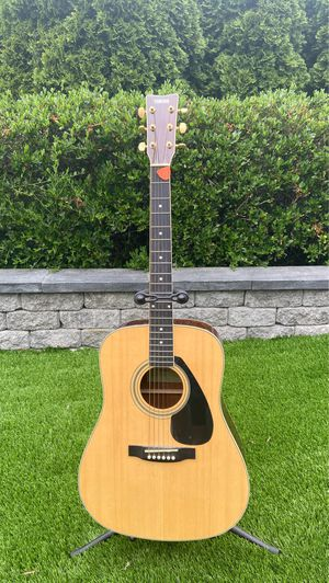 Guitar for Sale in Steilacoom, WA