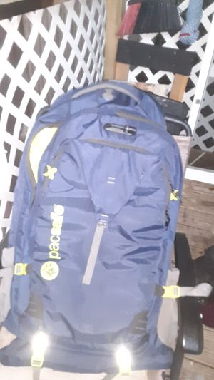 Pacsafe 65L hiking backpack for Sale in Bacliff, TX