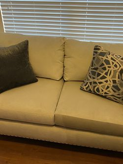 Reduced Brand New Love Seat for Sale in St. Petersburg,  FL