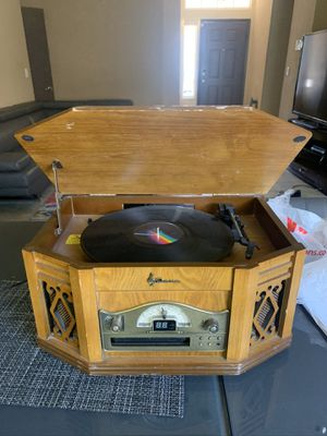 Vintage Emerson Record Player for Sale in Las Vegas, NV