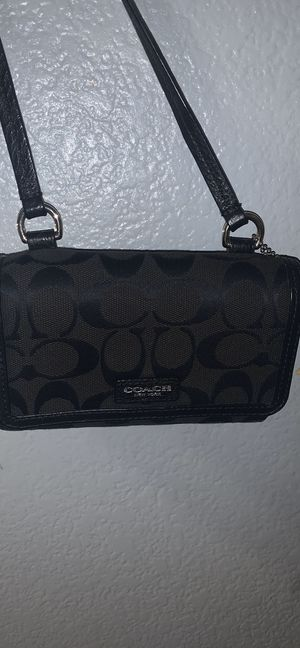 Coach black crossover bag for Sale in Henderson, NV