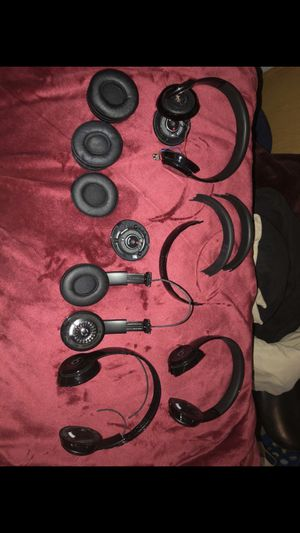 Beats Solo 3 for parts for Sale in Bothell, WA