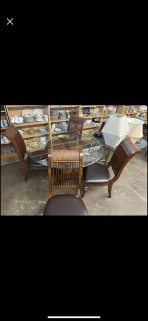 Kitchen table for Sale in Riverview, FL