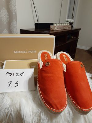MICHAEL KORS SIZE 7.5...9.5 for Sale in Highland, CA