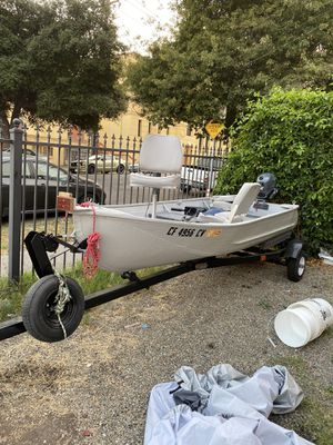 1969 aluminum boat. Motor 2004 Yamaha 4 stroke for Sale in Oakland, CA