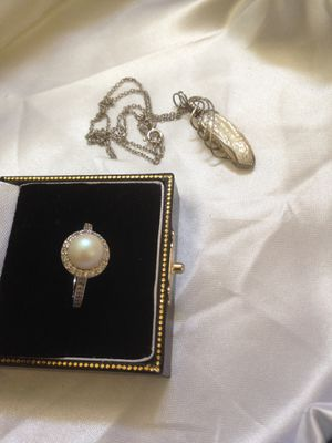 """Genuine Natural Giant PERL Pendent with 9"""" long Sterling necklace provided with Safety clasp along with very beautiful natural pearl ring of size 7. for Sale in Nashua, NH"""