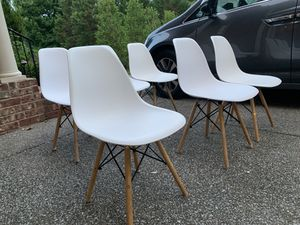 White chairs for Sale in Brentwood, TN