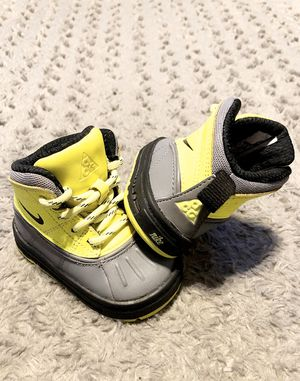 Toddler Nike Woodside 2 High Boots paid $49 size 3C Like New! Great condition Style# 524874 for Sale in Washington, DC