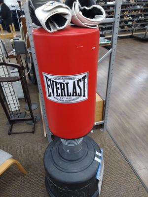 Everlast kick boxing bag with gloves for Sale in Seattle, WA