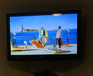 """42"""" & 50"""" LG $300 for both or 150 ea. Not a smart tv no issues for Sale in Collinsville, IL"""