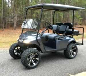 Price$1OOO 𝐄𝐙-𝐆𝐎 𝐓𝐗𝐓 2016 electric golf cart for Sale in Frederick, MD
