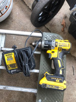 Dewalt drill and charger for Sale in Hialeah, FL