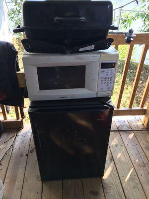 Mini fridge for Sale in Middletown, PA