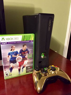 Xbox 360 Slim & FIFA 16 for Sale in Bronx, NY