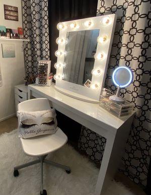 Makeup vanity for Sale in Placentia, CA