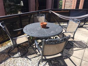 Outdoor furniture set for Sale in Hartsdale, NY