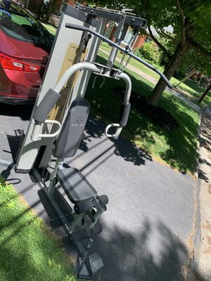 Golds gym workout machine for Sale in Pittsburgh, PA