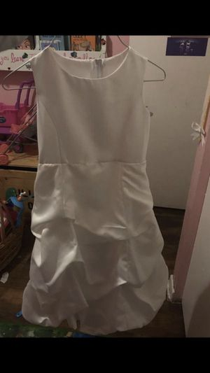Size 6 flower girl dress for Sale in Tampa, FL