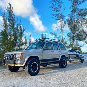 1995 Jeep Cherokee XJ for Sale in Miami, FL
