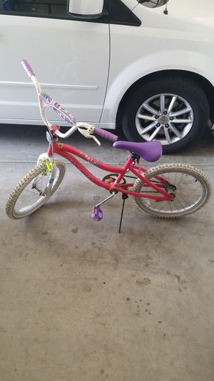 Girls bike 20 inch wheels for Sale in Gilbert, AZ