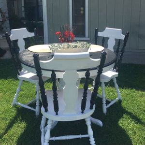 Small Dinning Table for Sale in Stockton, CA