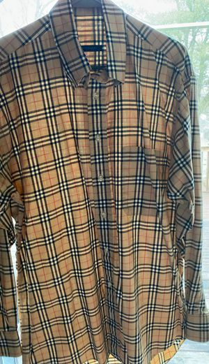Burberry size m for Sale in Willow Grove, PA