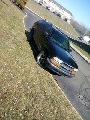01 Chevy Blazer 5speed for Sale in New Washington, OH