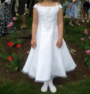 First Communion/Flower girl dress size 8 for Sale in New Hartford, CT