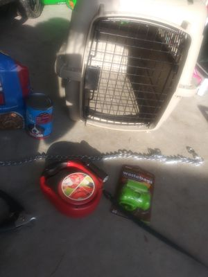 Used bundle of dog items. Crate, leash, food, bags for Sale in Portsmouth, VA