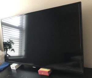 Samsung 50 inch TV with Tv stand for Sale in Orlando, FL