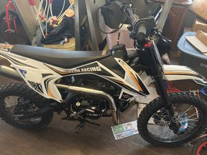 Hawk 125cc dirt bike paper work with it to for Sale in Philadelphia, PA