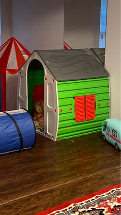 Playhouse and tent 2 for $65 for Sale in VA,  US