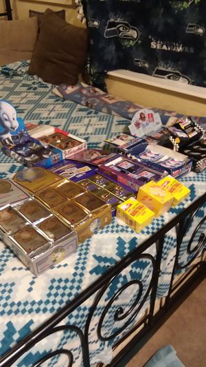 UNOPENED SPORTS CARD PACKS! & PLUS COLLECTABLES for Sale in Kirkland, WA