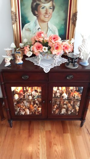 Mahogony Lighted Display Cabinet for Sale in Cumming, GA