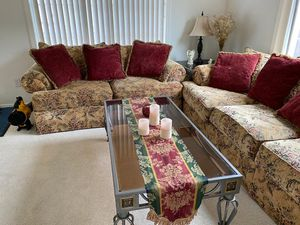 Complete Sofa set with coffee table & 2 side tables for Sale in Portland, OR