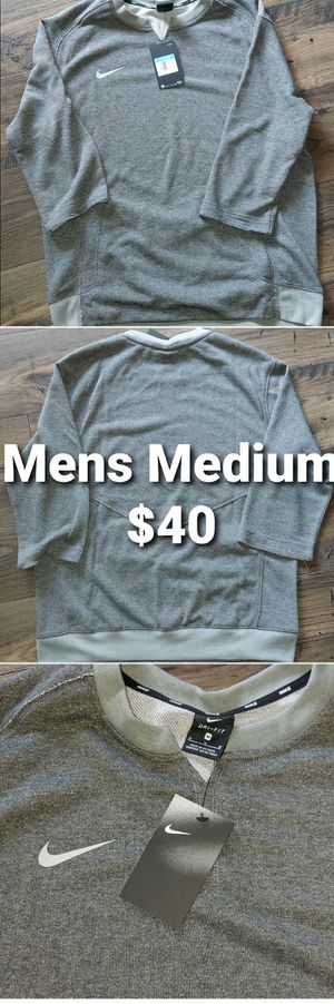 Nike Men's Medium Team 3/4 Flux Crew Gray Sweatshirt Pullover Shirt AA9780-032. Condition is New with tags. for Sale in Pomona, CA