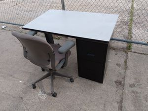 Nice computer desk with chair for Sale in Salt Lake City, UT