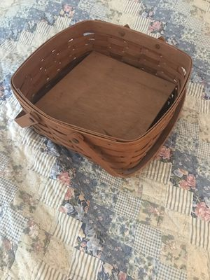 2 Longaberger Baskets for Sale in Groesbeck, OH