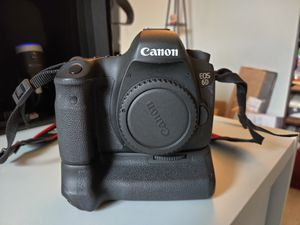 Canon 6D with Battery Grip for Sale in Jacksonville, FL