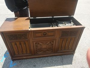 Vintage 8 track record player with am fm radio for Sale in San Bernardino, CA