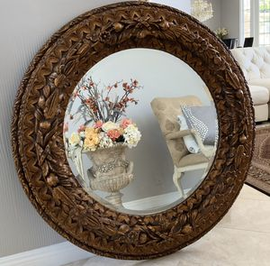 "Absolutely gorgeous , round mirror 44"" price is firm for Sale in Laguna Niguel, CA"