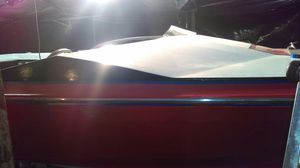 85 Bayliner ski boat with 470 engine in process of remodel with ez load trailor for Sale in Edgewood, WA